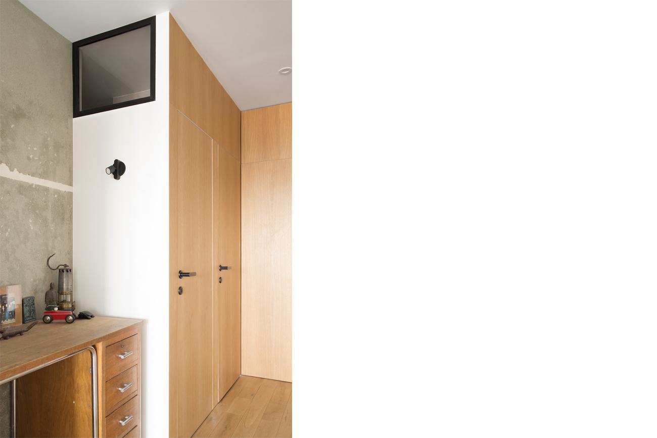 ban-architecture-renovation-appartement-paris-interieur-lumière-traversante-bleu-loft-maison-blanche-75-11
