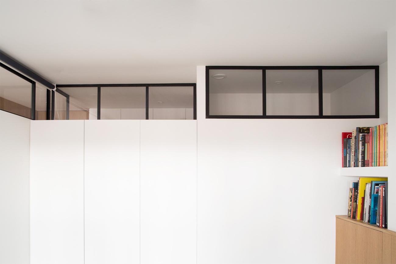 ban-architecture-renovation-appartement-paris-interieur-lumière-traversante-bleu-loft-maison-blanche-75-7