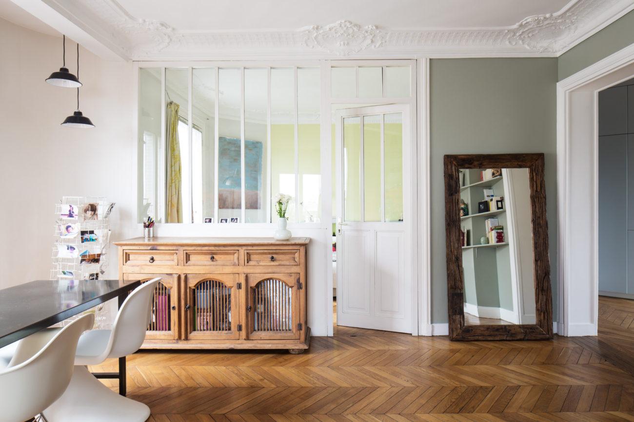 ban architecture renovation appartement paris interieur haussmannien gris vert belleville jaures 2