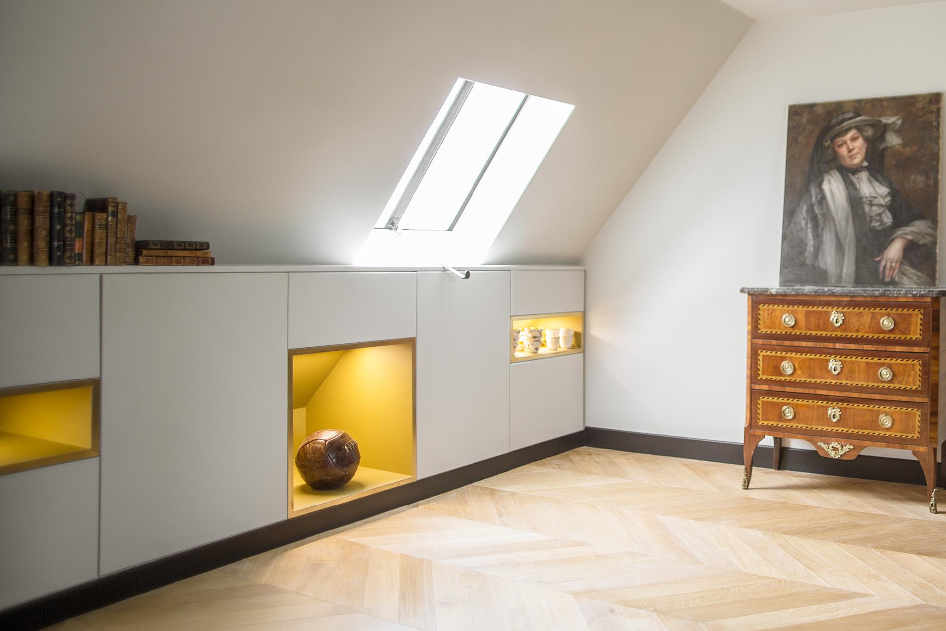 ban architecture renovation appartement paris interieur haussmannien combles comble or laiton grands boulevards 3