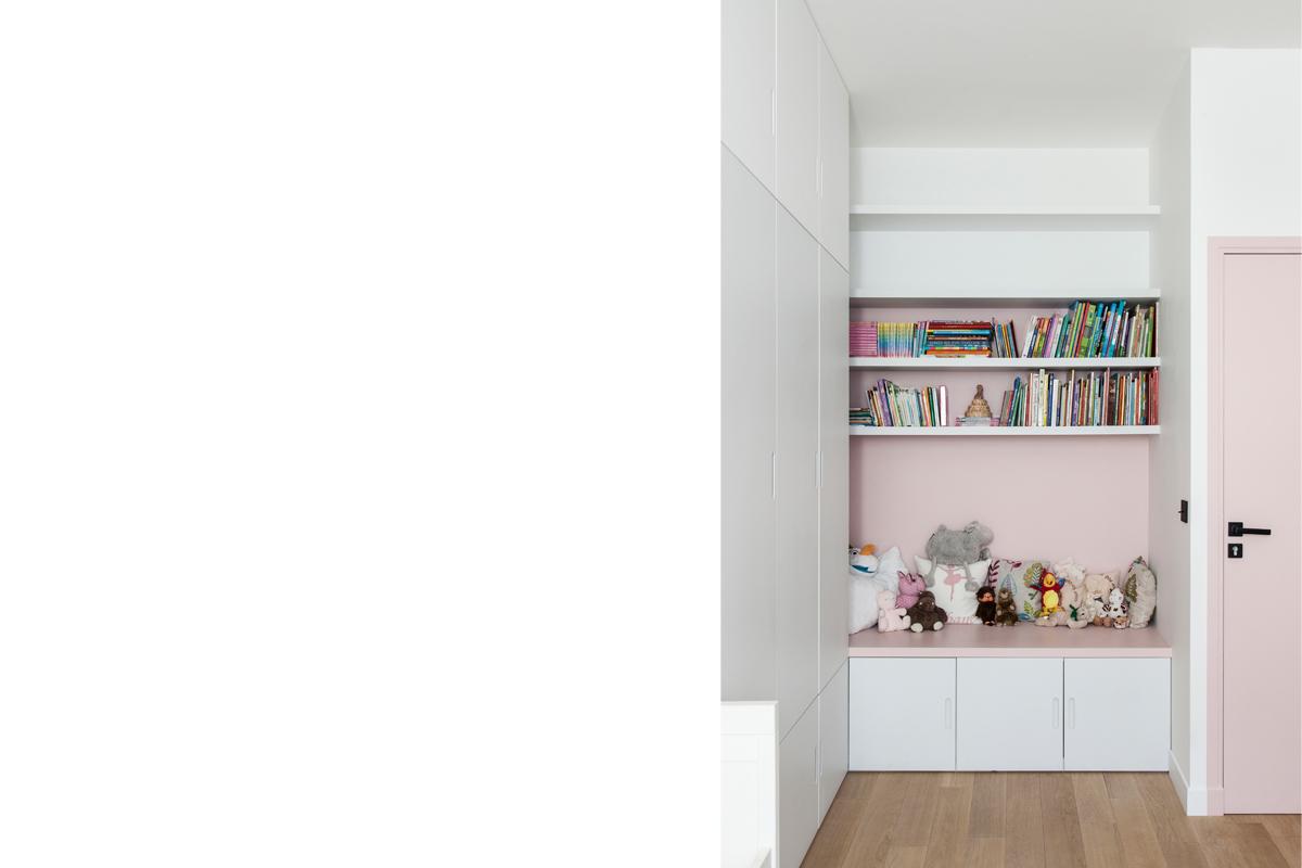 ban-architecture-appartement-renovation-paris-bleu-nuit-contemporain-clair-obscur-architecture-interieur-design-noir-20