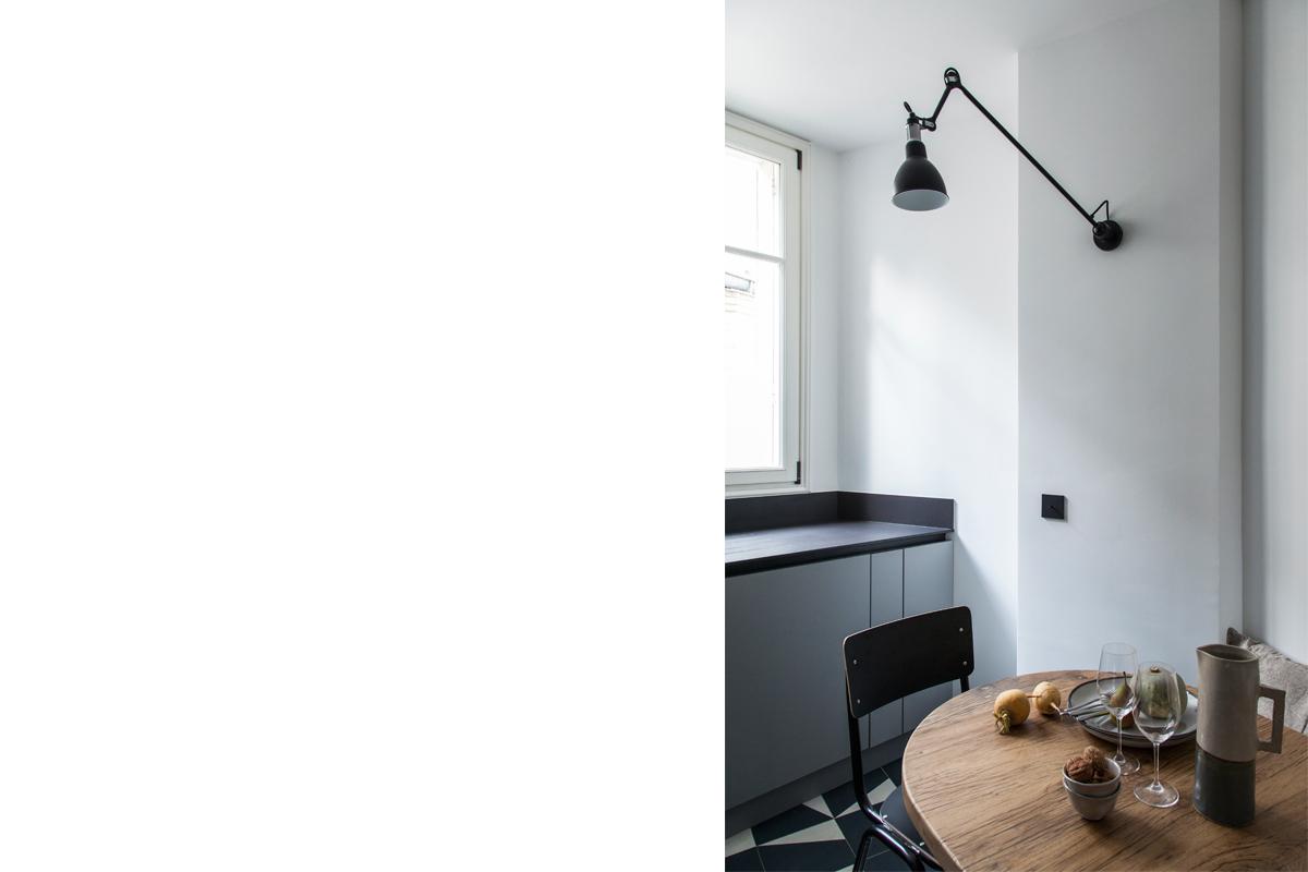 ban-architecture-appartement-renovation-paris-bleu-nuit-contemporain-clair-obscur-architecture-interieur-design-noir-6