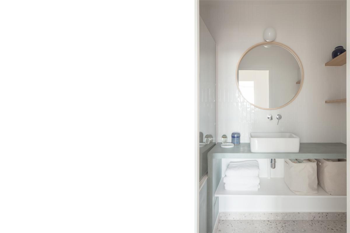 ban-architecture-appartement-renovation-paris-au-naturel-terrazzo-blanc-beige-greige-gris-architecture-interieur-design-10