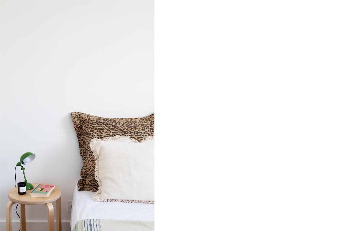 ban-architecture-appartement-renovation-paris-blanc-pur-mansardé-epuré-cuisine-ouverte-architecture-interieur-design-lumière-villier-15